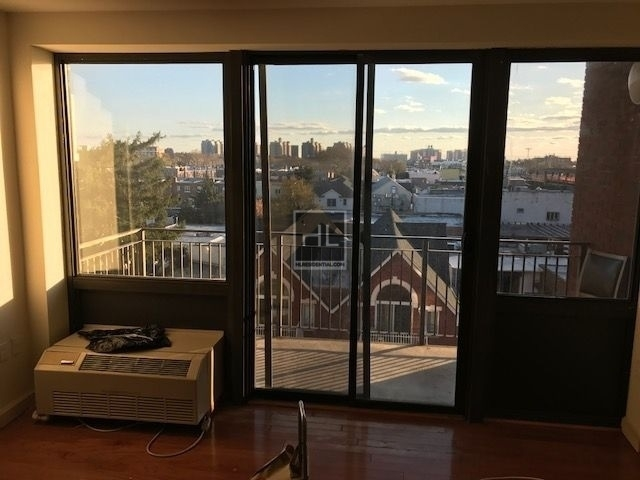 2 Bedrooms, Gravesend Rental in NYC for $2,350 - Photo 1