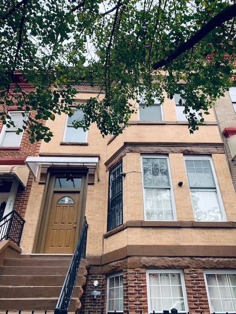 3 Bedrooms, Sunset Park Rental in NYC for $2,495 - Photo 2