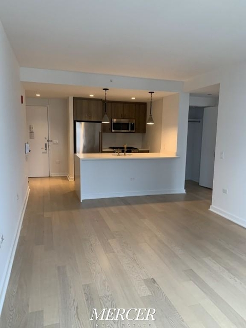 1 Bedroom, Hell's Kitchen Rental in NYC for $3,850 - Photo 2