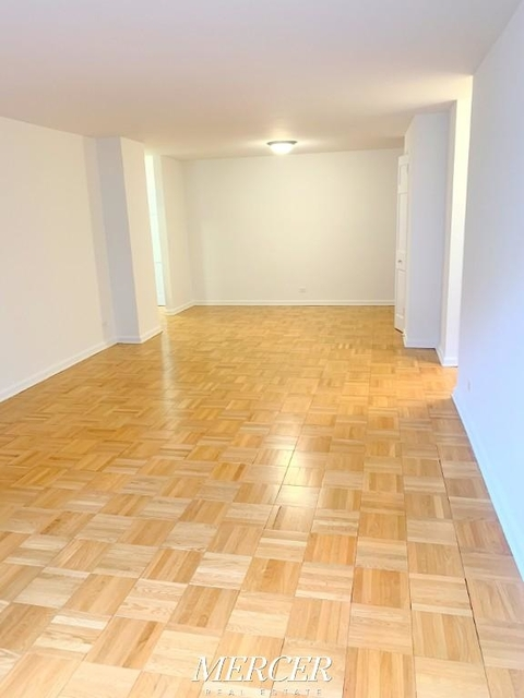 2 Bedrooms, Hell's Kitchen Rental in NYC for $5,750 - Photo 2