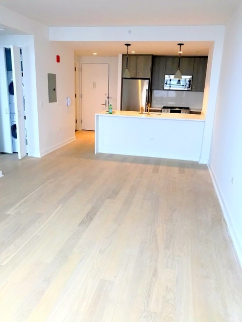 1 Bedroom, Hell's Kitchen Rental in NYC for $3,475 - Photo 2