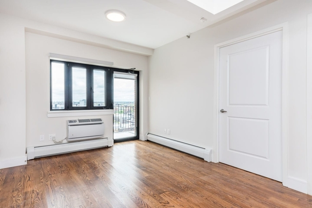 1 Bedroom, Astoria Rental in NYC for $2,452 - Photo 2