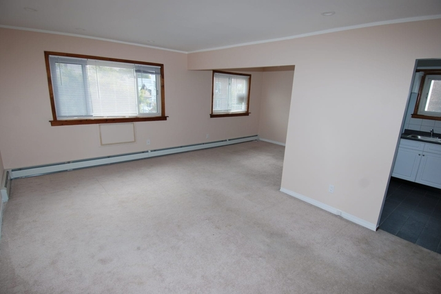 3 Bedrooms, Steinway Rental in NYC for $2,500 - Photo 2