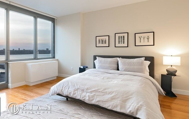 2 Bedrooms, Hell's Kitchen Rental in NYC for $4,882 - Photo 1