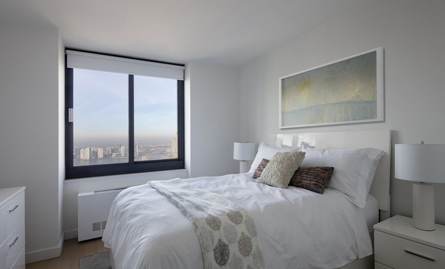 3 Bedrooms, Tribeca Rental in NYC for $12,250 - Photo 2