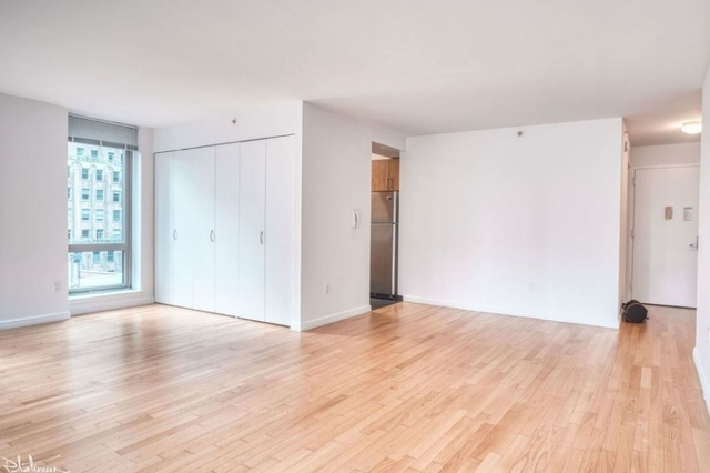 2 Bedrooms, Financial District Rental in NYC for $5,569 - Photo 2