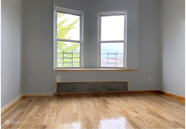 3 Bedrooms, Borough Park Rental in NYC for $2,600 - Photo 2
