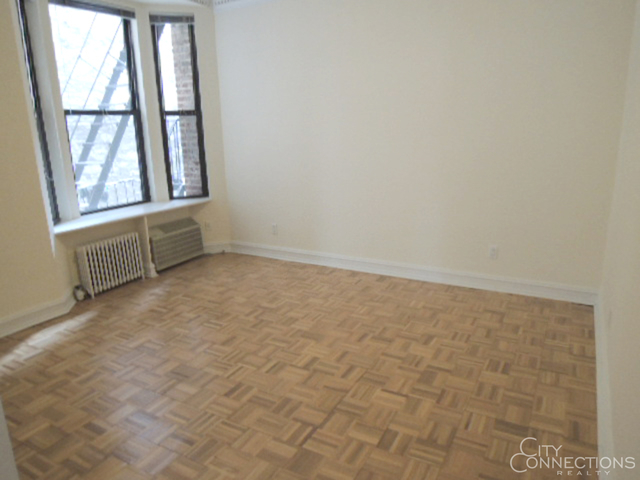 2 Bedrooms, Turtle Bay Rental in NYC for $5,040 - Photo 2
