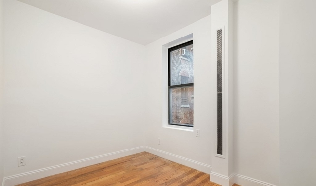 3 Bedrooms, Chelsea Rental in NYC for $4,320 - Photo 2