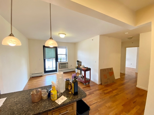 2 Bedrooms, Long Island City Rental in NYC for $2,295 - Photo 1