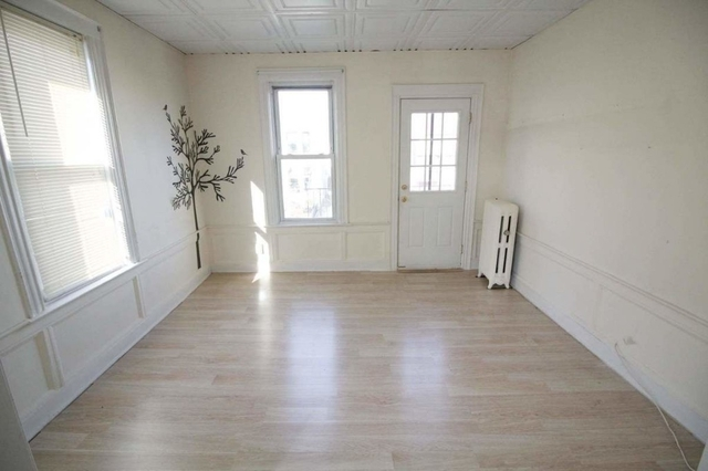 4 Bedrooms, Bay Ridge Rental in NYC for $2,800 - Photo 2