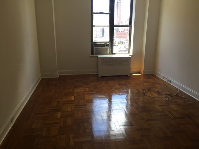 Studio, Upper West Side Rental in NYC for $2,340 - Photo 2