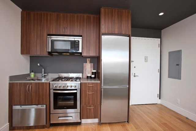 Studio, Financial District Rental in NYC for $2,399 - Photo 2