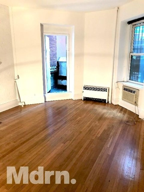Studio, Theater District Rental in NYC for $1,900 - Photo 1