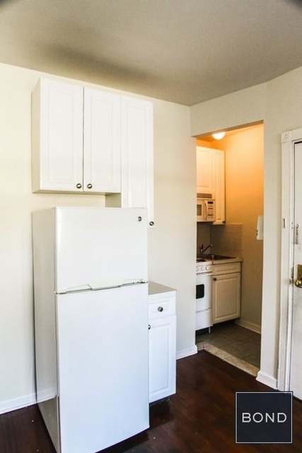 1 Bedroom, West Village Rental in NYC for $2,360 - Photo 2