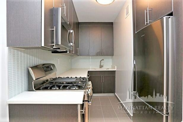 Studio, Hell's Kitchen Rental in NYC for $2,595 - Photo 2
