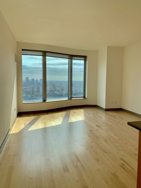 2 Bedrooms, Financial District Rental in NYC for $6,922 - Photo 2