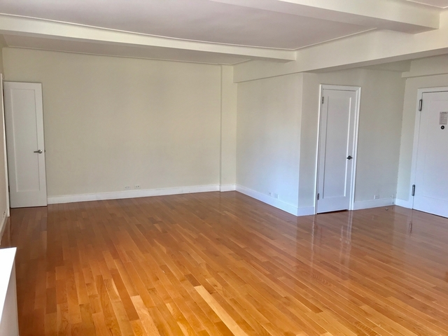 Studio, Sutton Place Rental in NYC for $2,947 - Photo 2