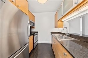 2 Bedrooms, Lincoln Square Rental in NYC for $4,849 - Photo 1