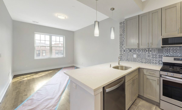 1 Bedroom, Astoria Rental in NYC for $2,800 - Photo 2