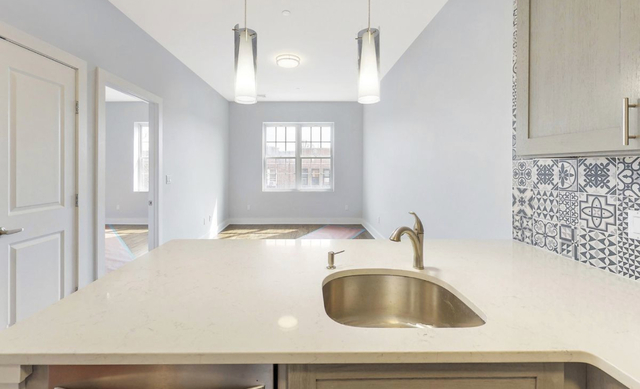 1 Bedroom, Astoria Rental in NYC for $2,800 - Photo 1