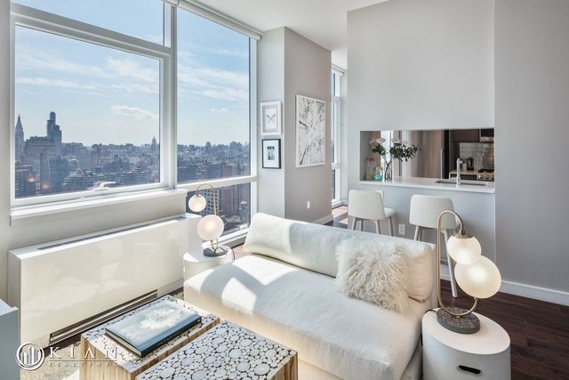 1 Bedroom, Chelsea Rental in NYC for $5,649 - Photo 2