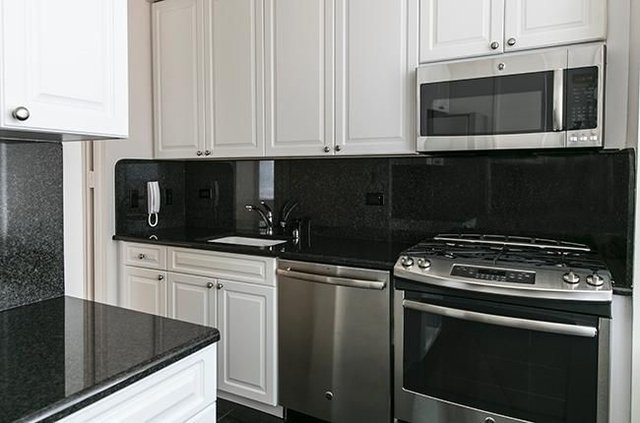 2 Bedrooms, Murray Hill Rental in NYC for $7,150 - Photo 1