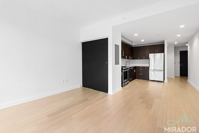 Studio, Lincoln Square Rental in NYC for $3,279 - Photo 2