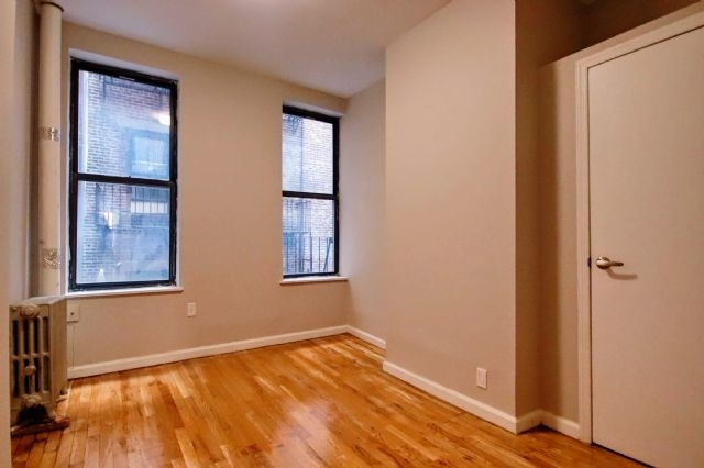 2 Bedrooms, East Village Rental in NYC for $3,875 - Photo 2