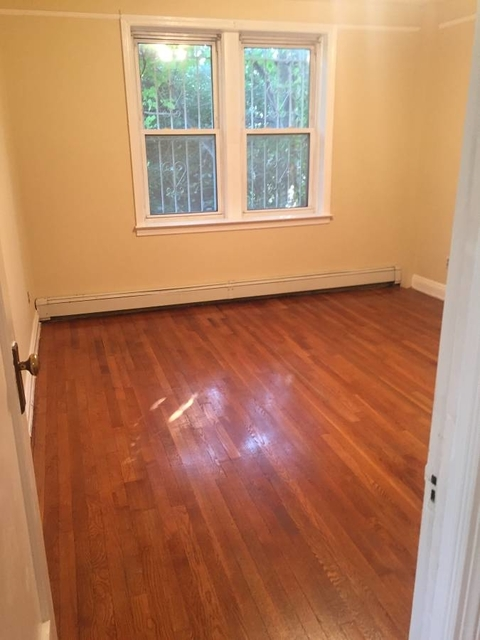 1 Bedroom, Bayside Rental in NYC for $1,725 - Photo 2