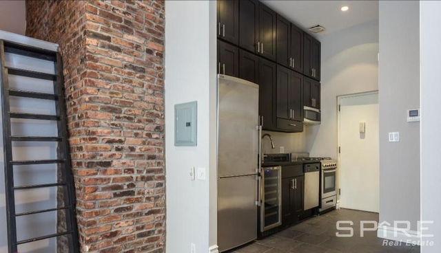 3 Bedrooms, West Village Rental in NYC for $6,795 - Photo 2