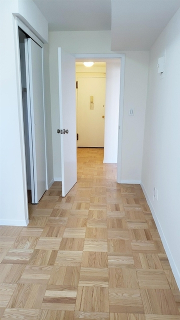 3 Bedrooms, Upper East Side Rental in NYC for $5,395 - Photo 2