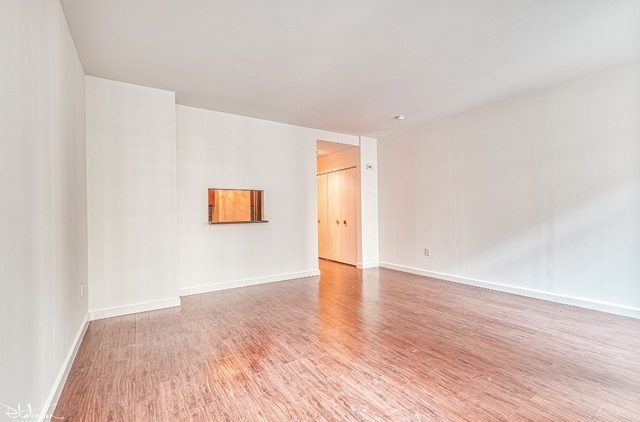 Studio, Financial District Rental in NYC for $2,889 - Photo 2