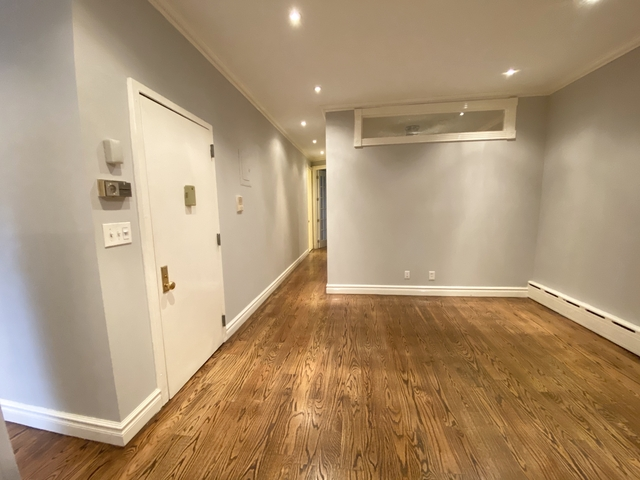 3 Bedrooms, Turtle Bay Rental in NYC for $5,195 - Photo 2