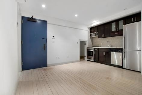 5 Bedrooms, Chelsea Rental in NYC for $8,700 - Photo 2