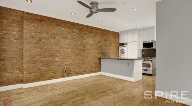 4 Bedrooms, Hell's Kitchen Rental in NYC for $6,495 - Photo 1