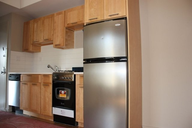 2 Bedrooms, East Harlem Rental in NYC for $2,790 - Photo 2