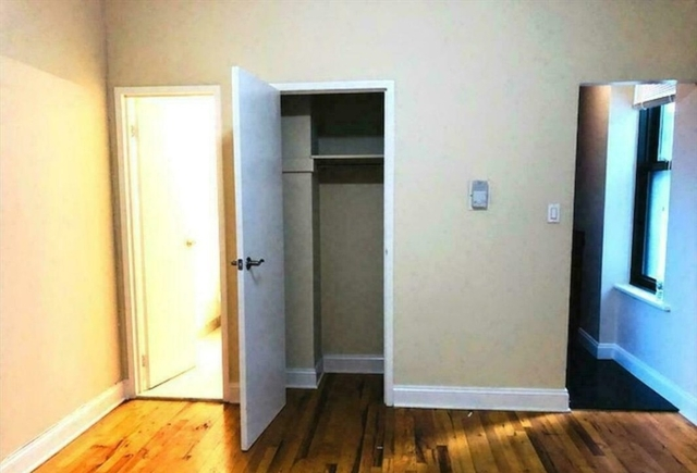 2 Bedrooms, Theater District Rental in NYC for $3,700 - Photo 2