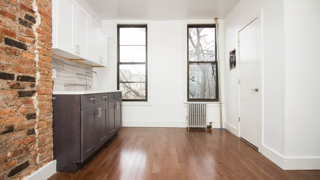 3 Bedrooms, Bedford-Stuyvesant Rental in NYC for $1,950 - Photo 1