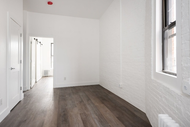 2 Bedrooms, Tribeca Rental in NYC for $3,255 - Photo 2
