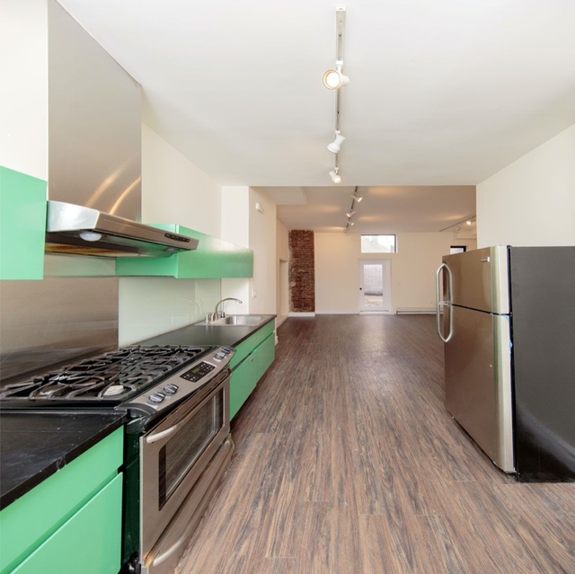 2 Bedrooms, Williamsburg Rental in NYC for $4,400 - Photo 1