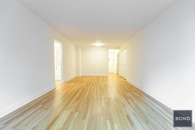 2 Bedrooms, West Village Rental in NYC for $5,150 - Photo 2