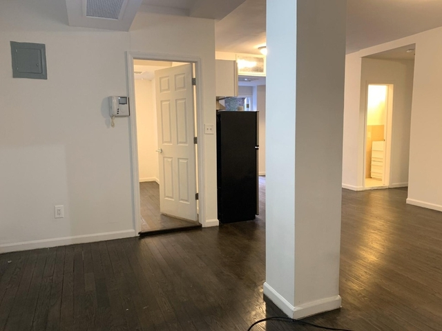 3 Bedrooms, Chelsea Rental in NYC for $6,450 - Photo 2