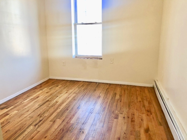 4 Bedrooms, Ocean Hill Rental in NYC for $2,600 - Photo 2