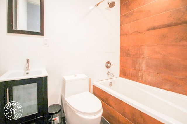 4 Bedrooms, Bushwick Rental in NYC for $3,583 - Photo 2