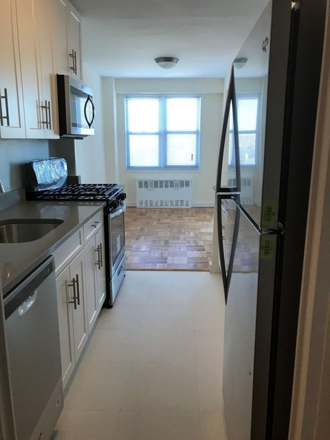 3 Bedrooms, Rego Park Rental in NYC for $3,564 - Photo 1