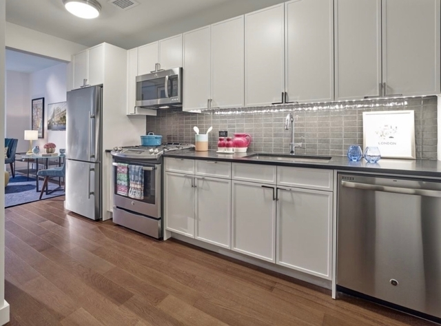 Studio, Chelsea Rental in NYC for $3,591 - Photo 2