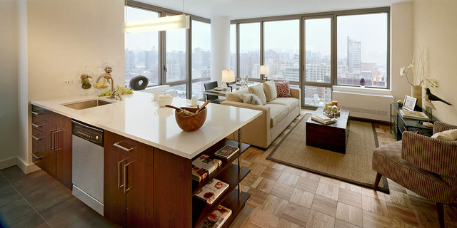 2 Bedrooms, Chelsea Rental in NYC for $4,578 - Photo 2