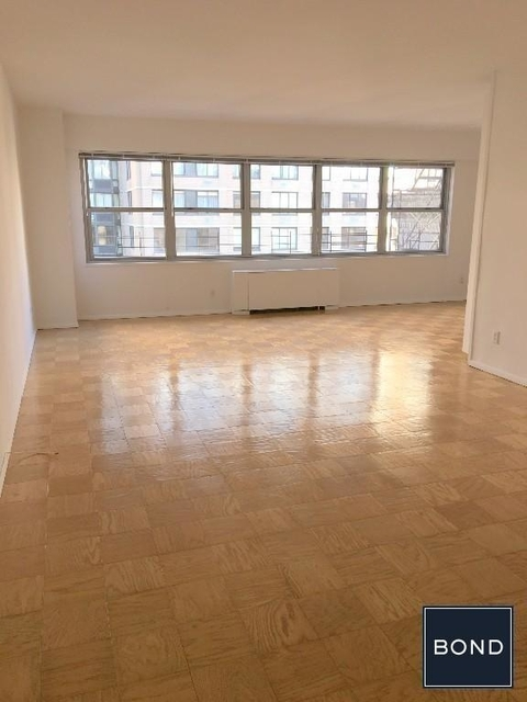 3 Bedrooms, Upper East Side Rental in NYC for $13,990 - Photo 1
