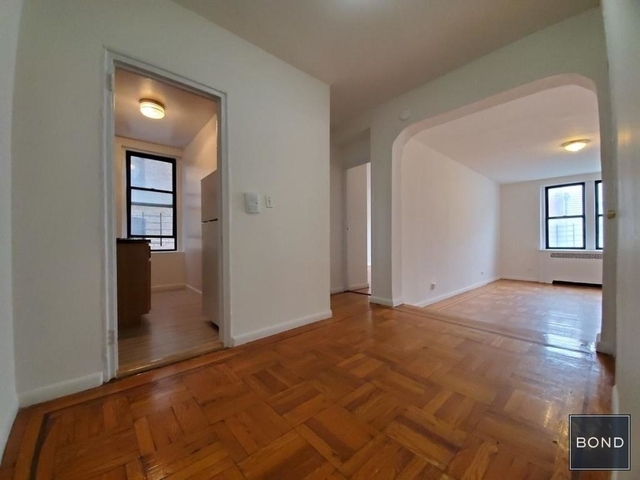 1 Bedroom, Concourse Rental in NYC for $1,600 - Photo 2